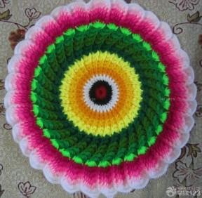 手工毛线编织圆形坐垫效果图