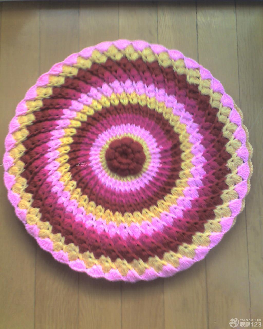 炫彩毛线编织圆形坐垫图片