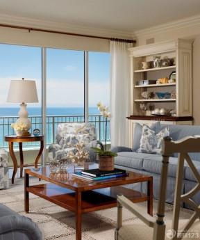 60小户型客厅带阳台装修效果图 欧式风格