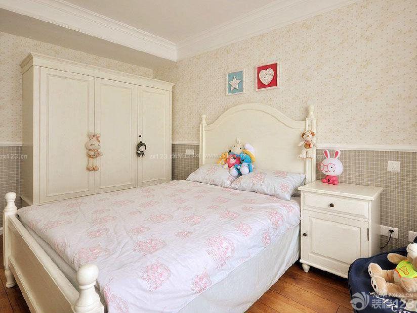 70平米二手房温馨卧室墙衣装修效果图