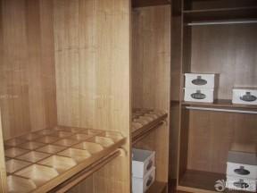 卧室装潢设计 敞开式衣柜