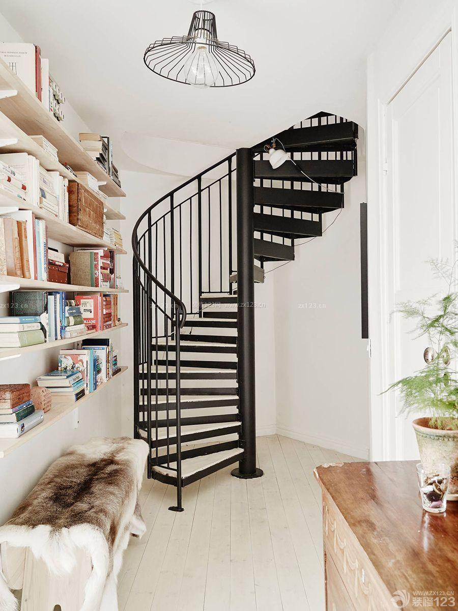 精致60平复式楼铁艺楼梯装修效果图