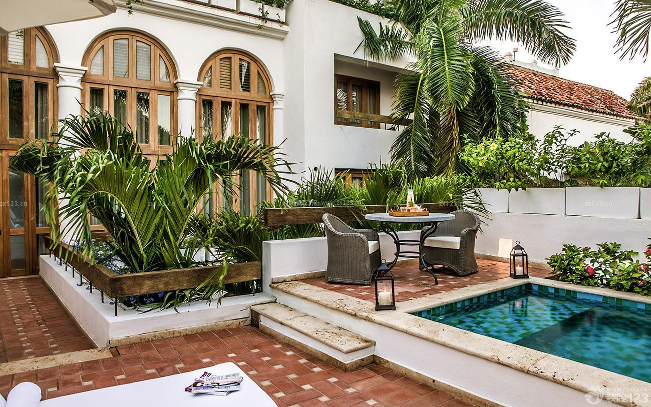 欧式古典风格联排别墅庭院设计图片
