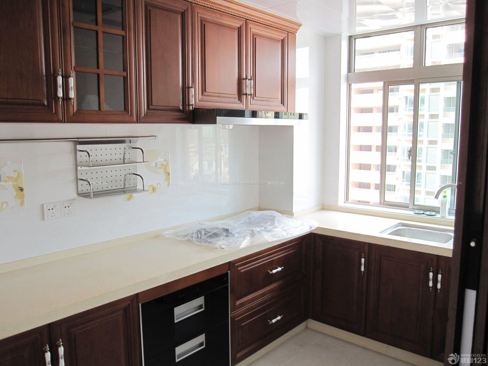 小户型厨房橱柜装修设计效果图