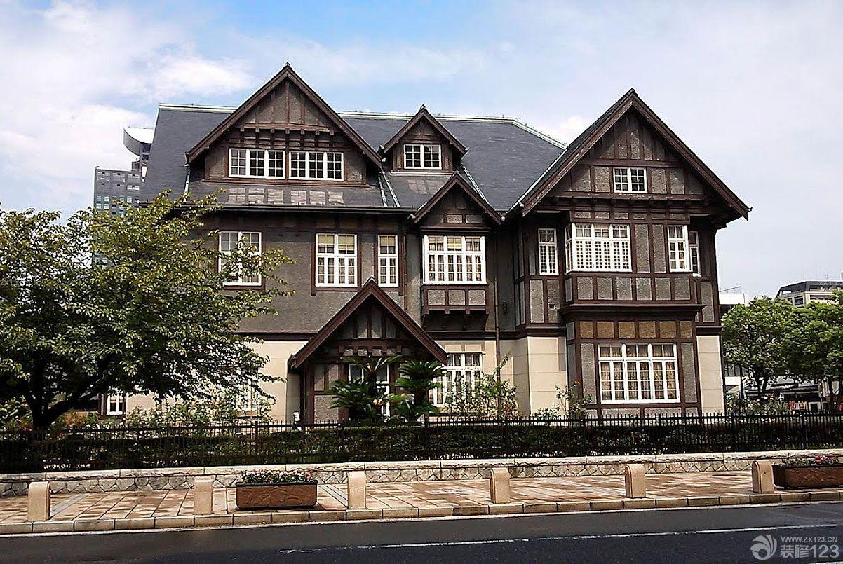 美式古典风格农村三层别墅外观图片