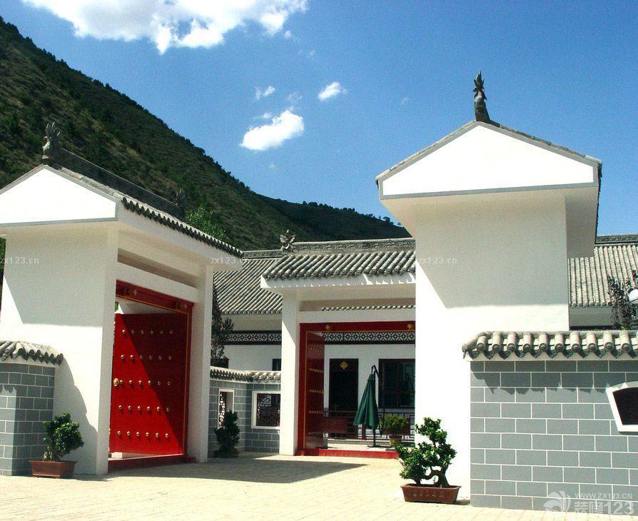 中式别墅琉璃瓦围墙庭院大门装修实景图