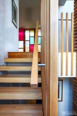 北歐風格小躍層樓梯裝修設計