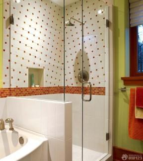 两居室卫生间的装修 小格子砖墙面装修效果图片图片