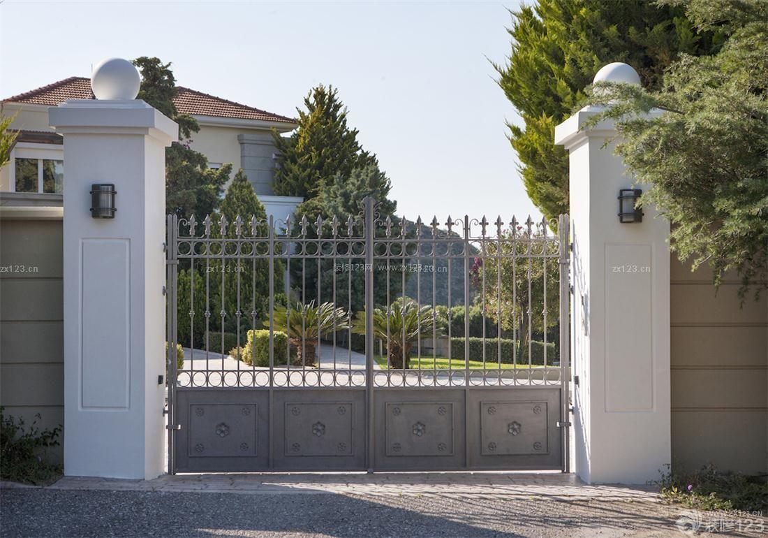 私人山区别墅外围墙门柱设计图片