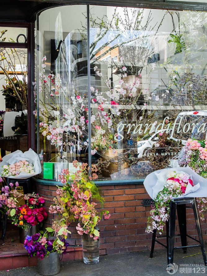 现代美式风格花店橱窗设计效果图