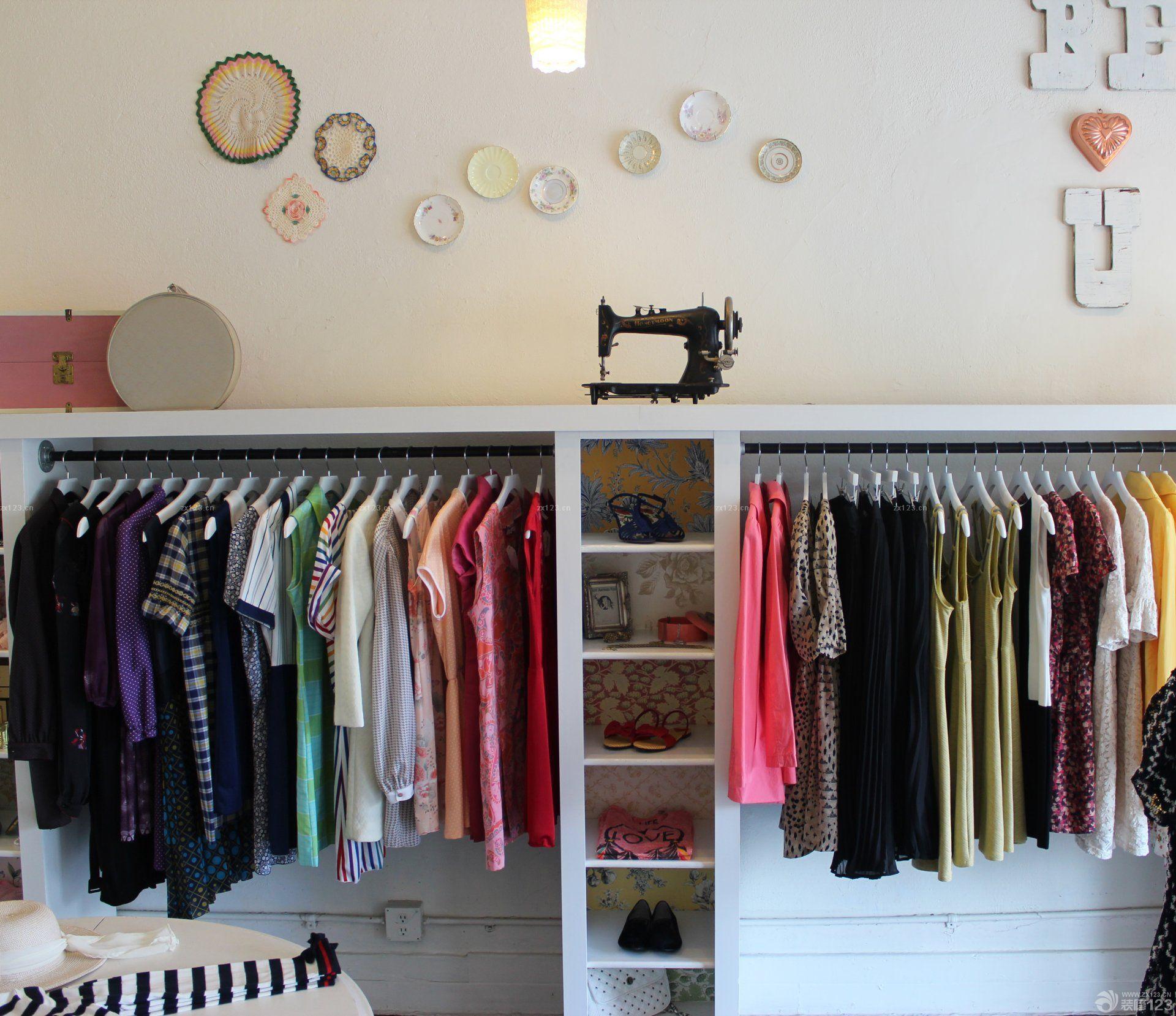 服装店衣柜设计图片欣赏