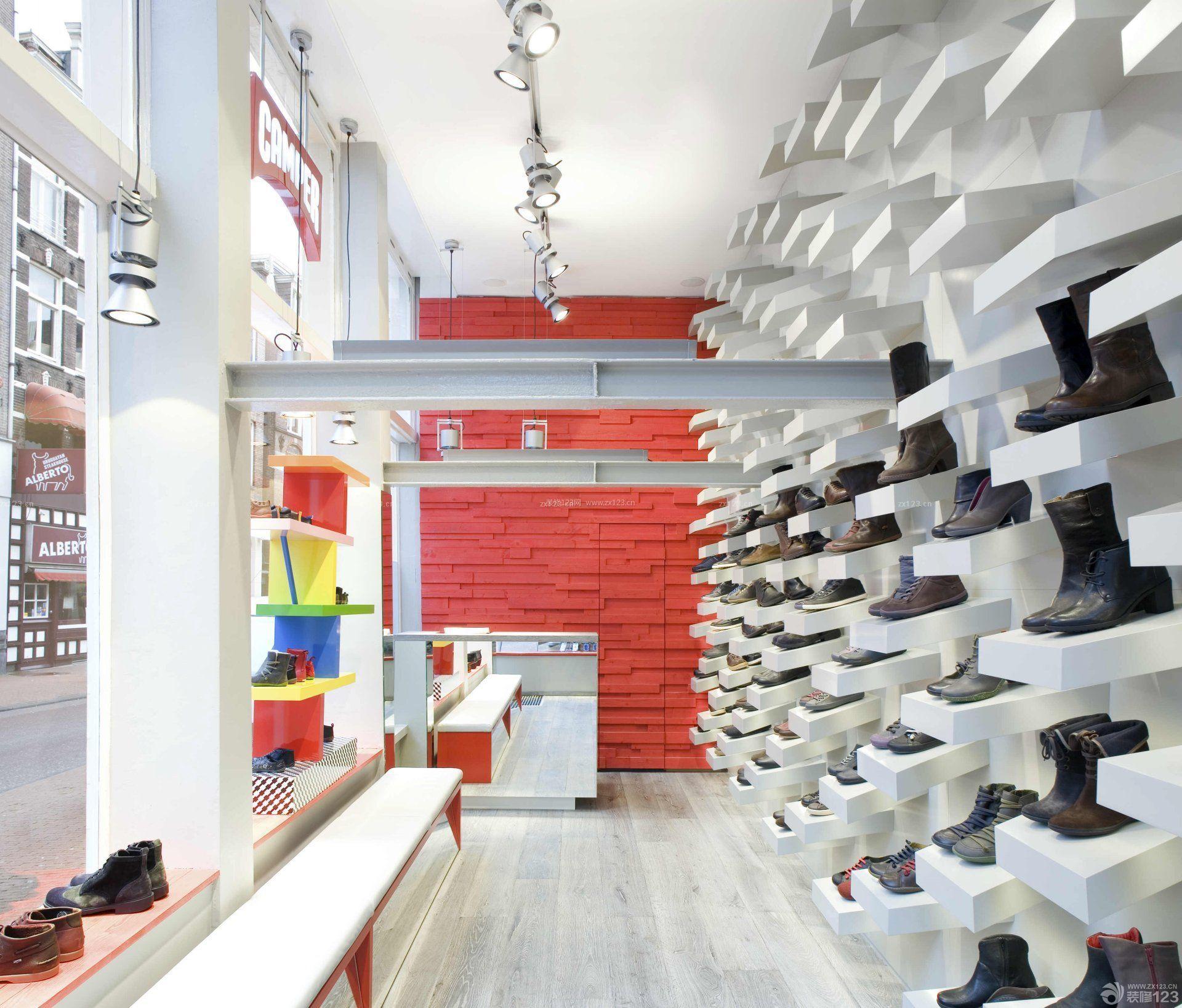 小型鞋店室内创意鞋柜装修效果图