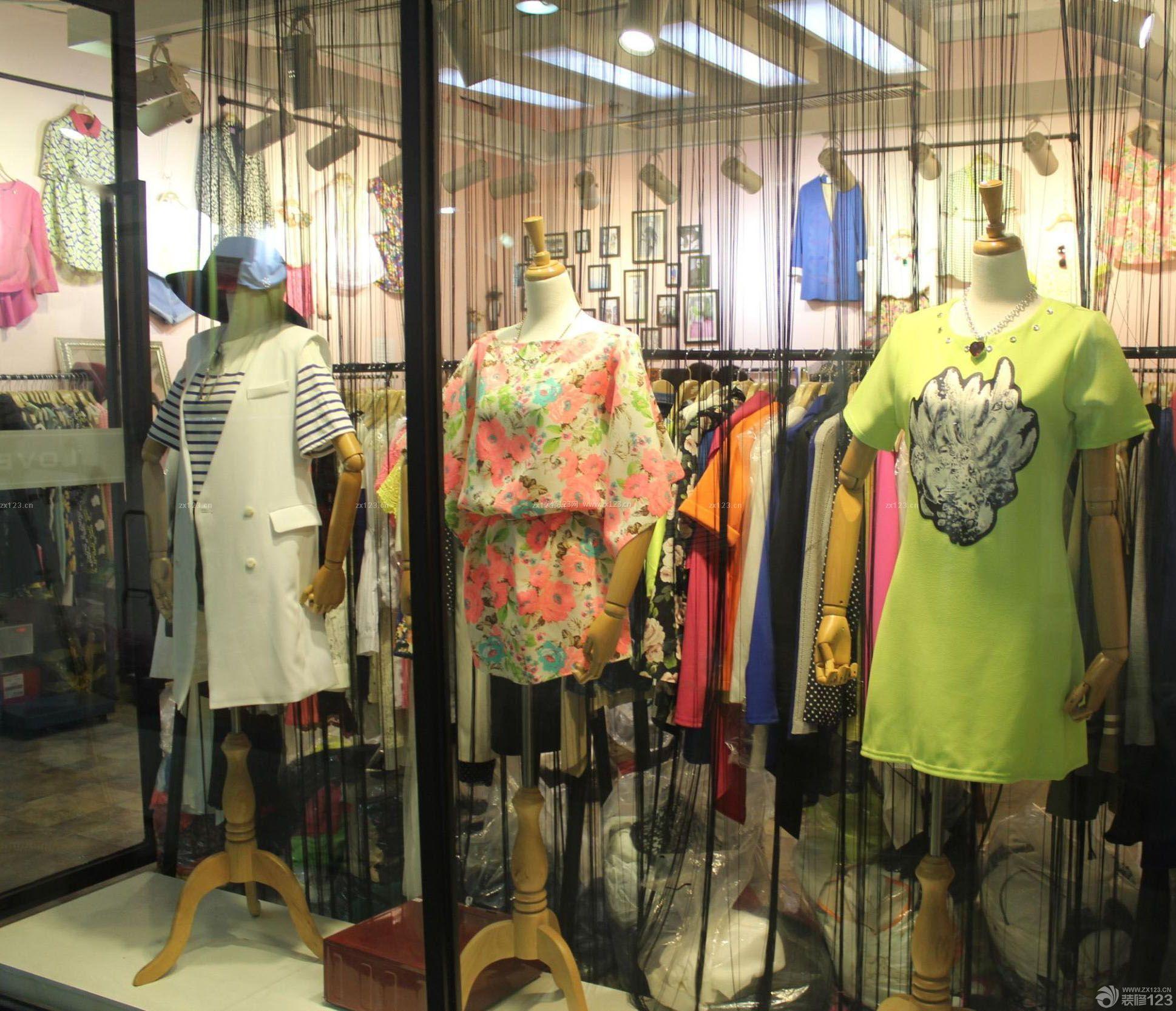 韩国服装店橱窗装修效果图图片