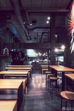 个性工业loft风格酒吧木质吧台装修效果图片