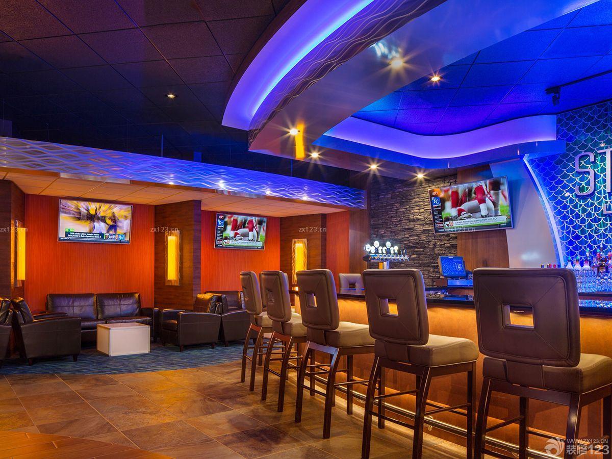 简约小型酒吧装修风格木质吧台效果图片