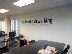公司現代辦公室形象墻效果圖片
