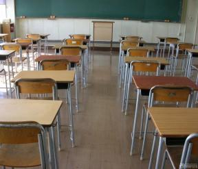 小学学校教室书桌设计摆放效果图图片图片