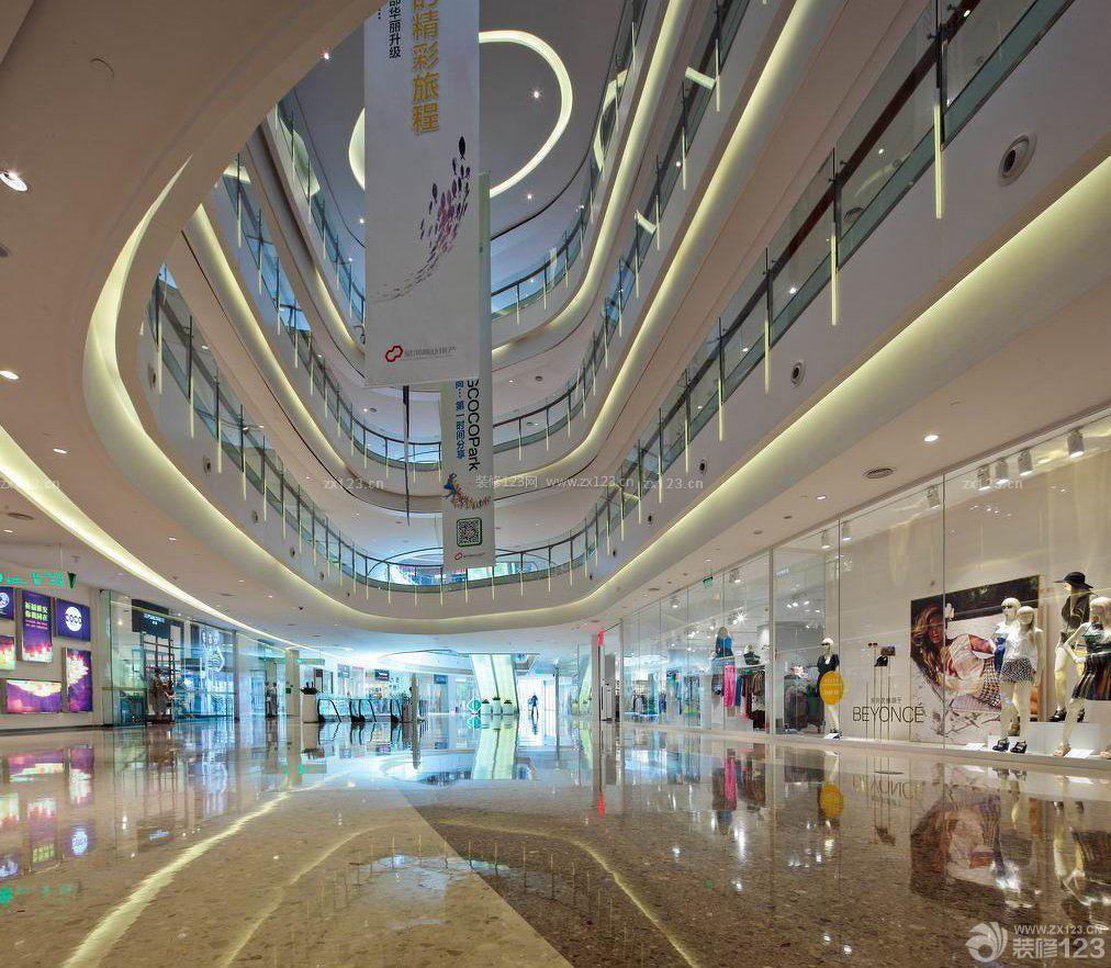 大型商场中庭橱窗设计图