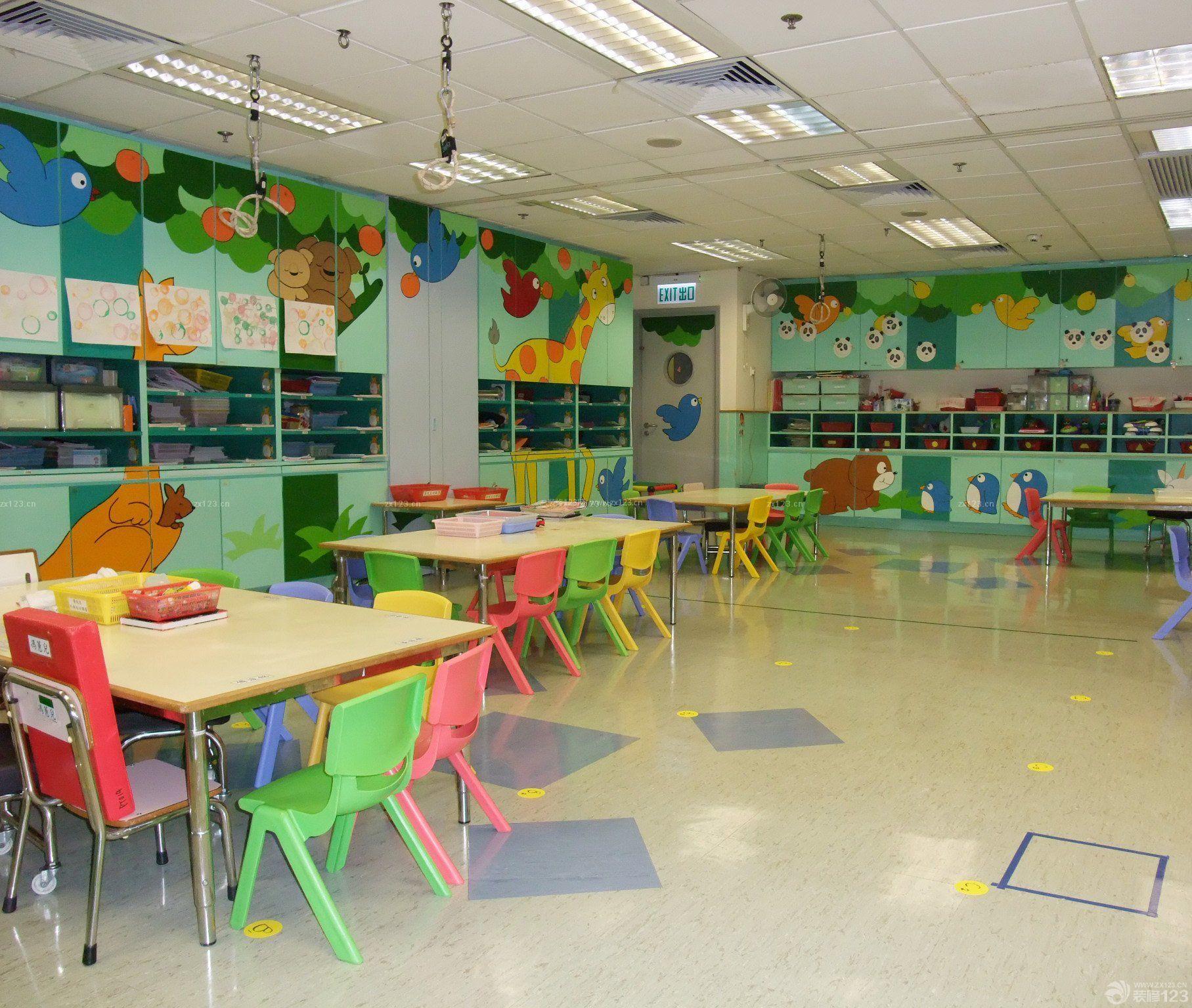 大型幼儿园室内格栅吊顶装修效果图片