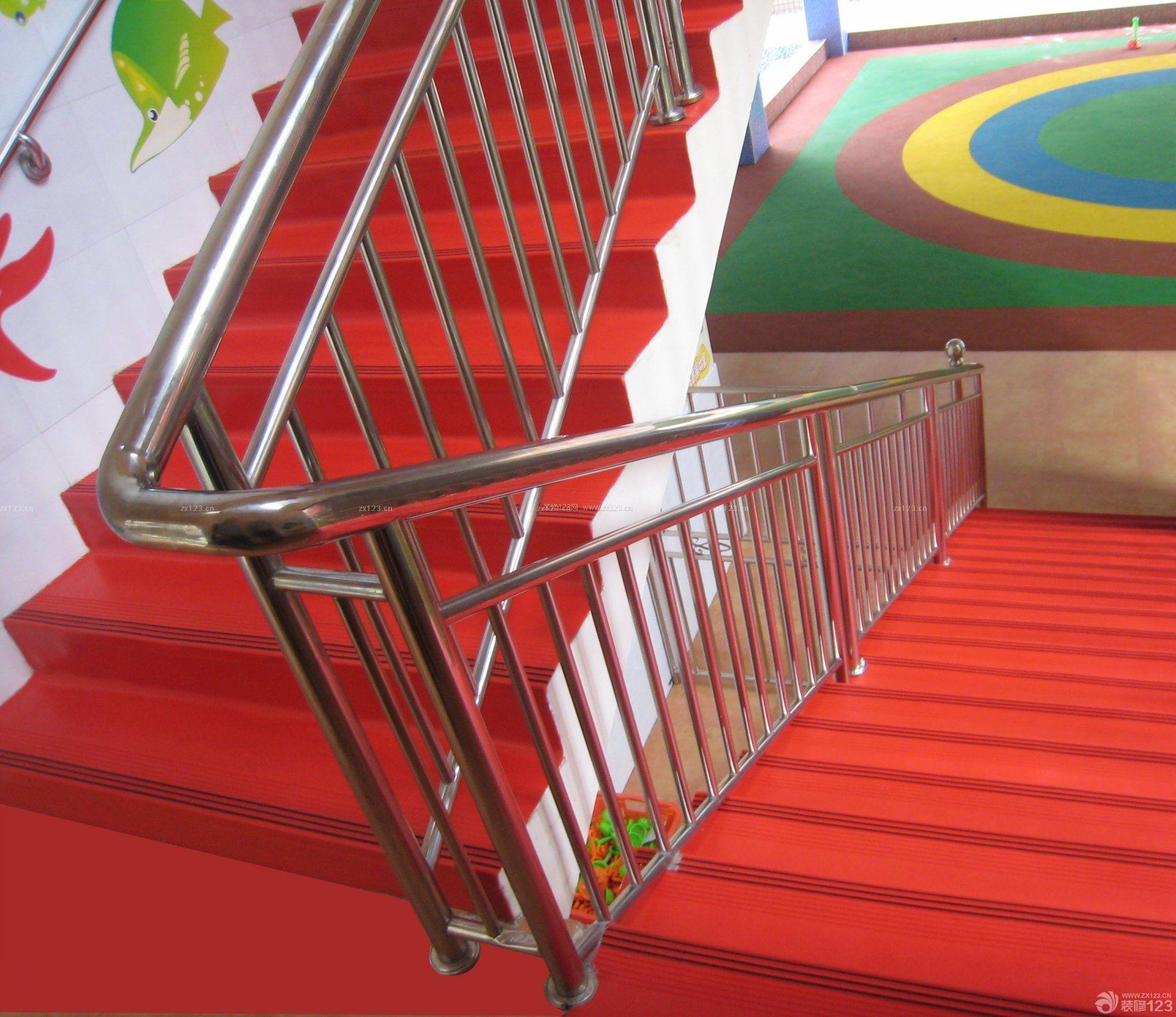 最新幼儿园室内楼梯装修效果图片