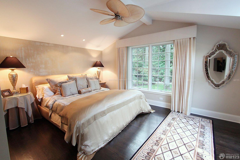 欧式乡村别墅斜顶卧室装修效果图图片