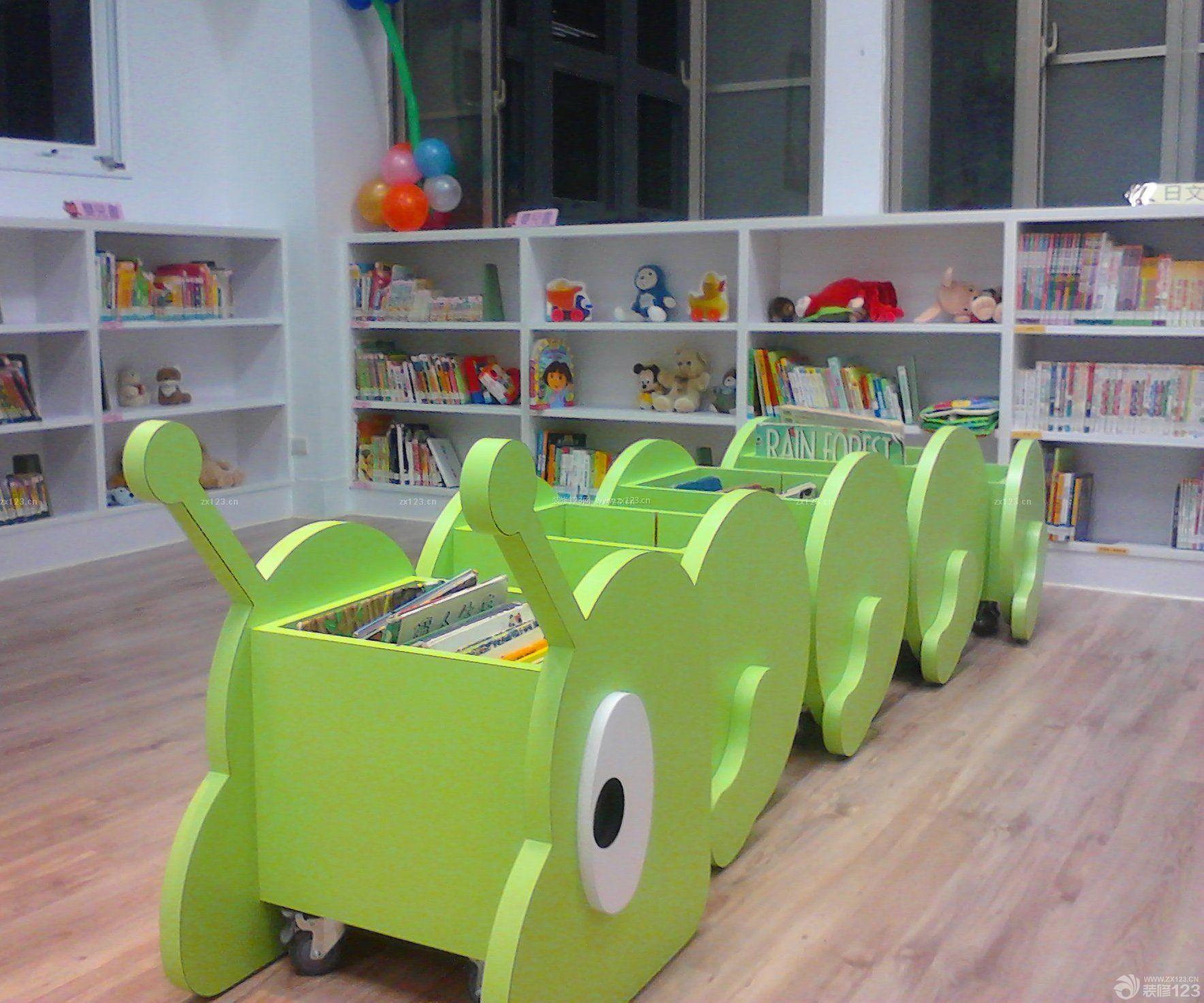 小型幼儿园简单阅读室书柜装修效果图片