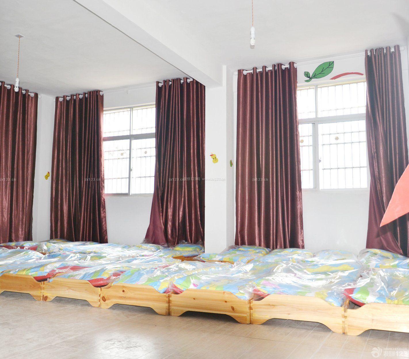某小型幼儿园室内小孩床设计图片