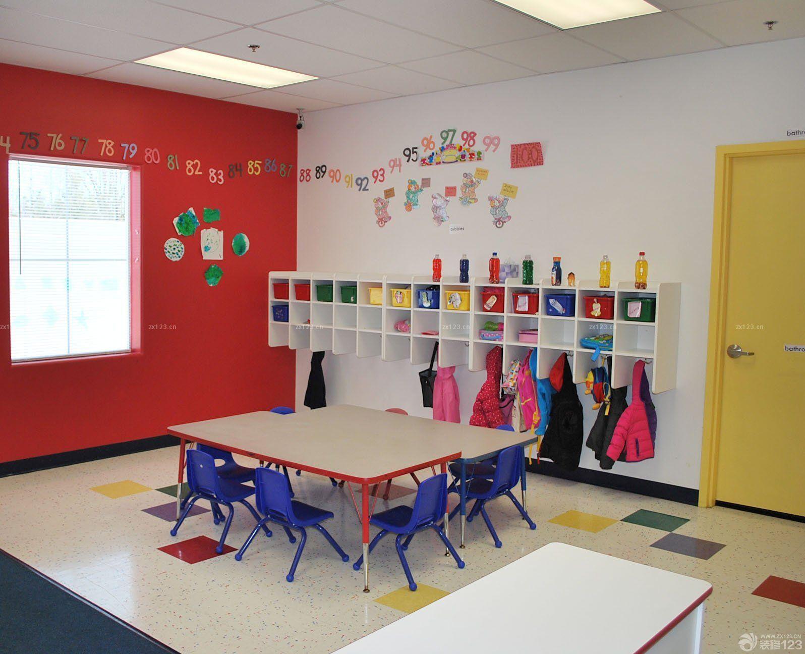 高端幼儿园室内墙面置物架装修效果图片