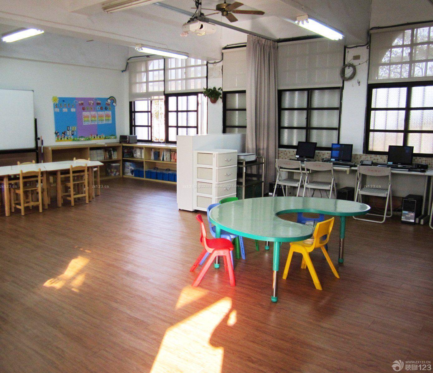 私立幼儿园室内小型卫生间装修效果图片