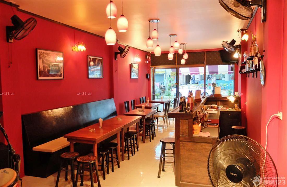 国外酒吧实木酒吧吧台装修实景图
