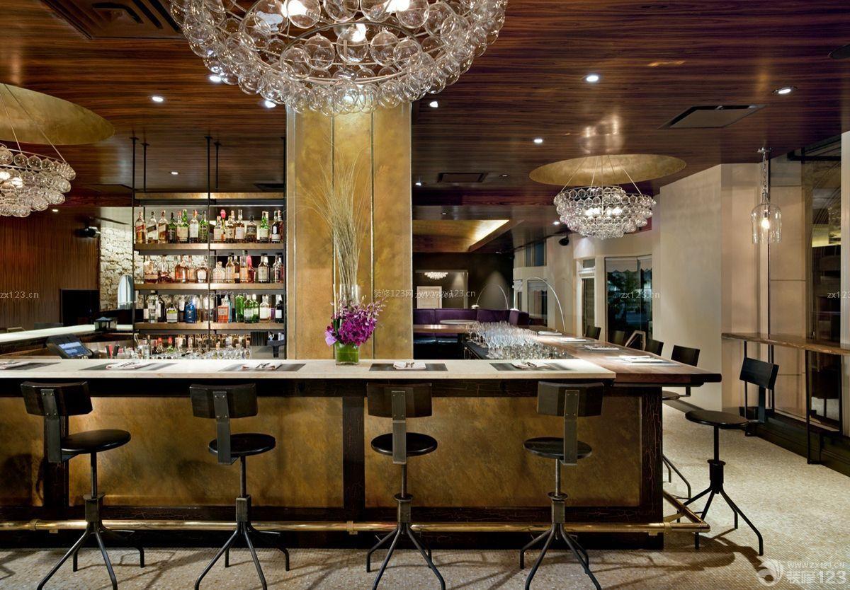 高档实木酒吧吧台装修图片