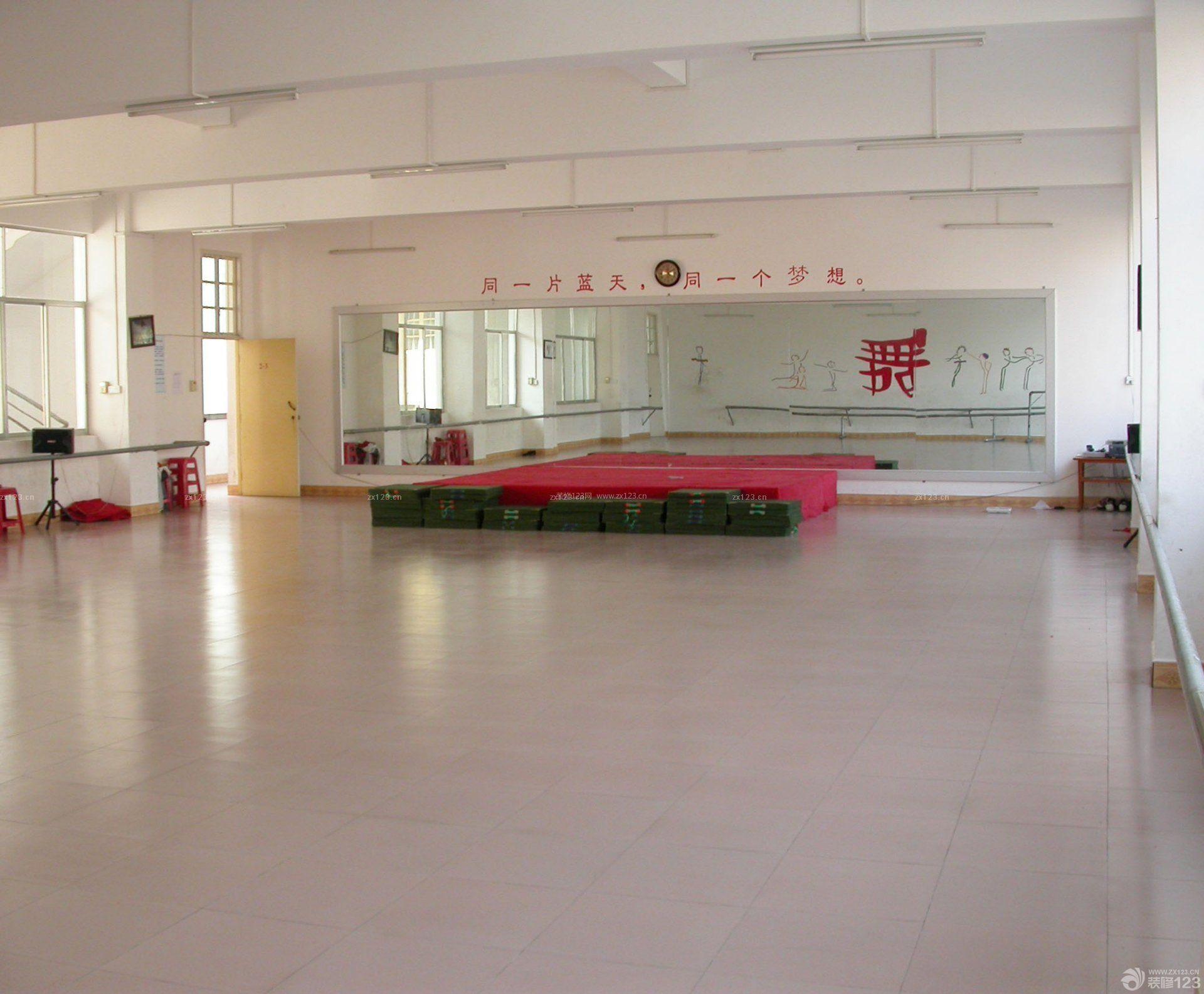 幼儿园舞蹈房原木地板装修效果图片