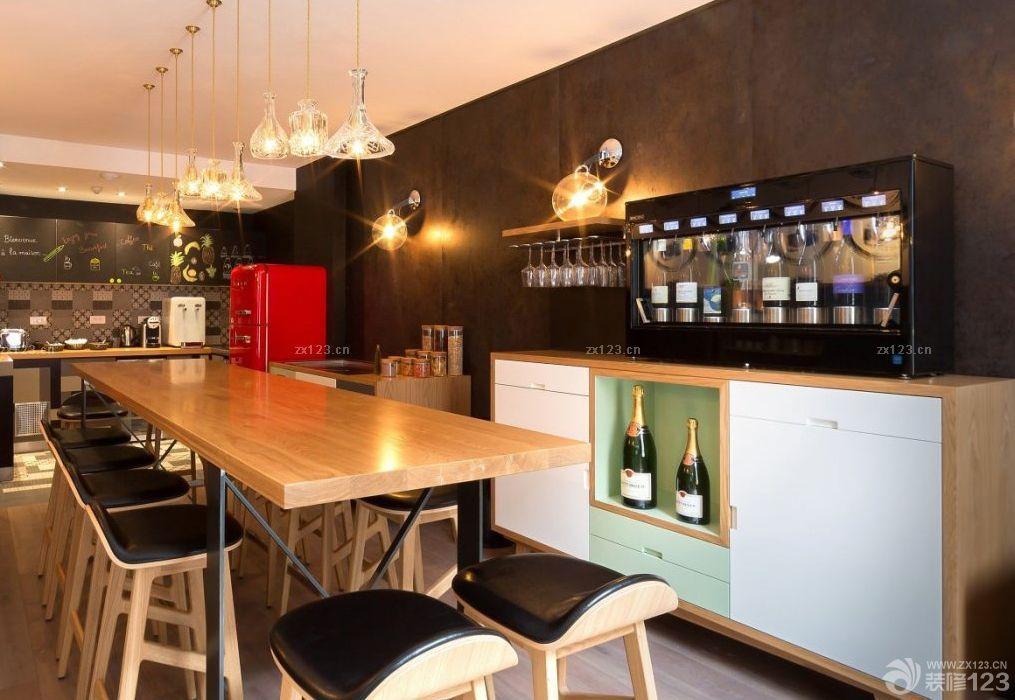 酒店酒吧木质吧台装修效果图片