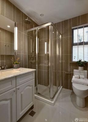 90平米三室一厅装修效果图 浴室玻璃门