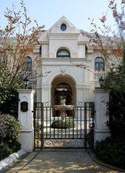 法式风格最新别墅外观装修效果图片