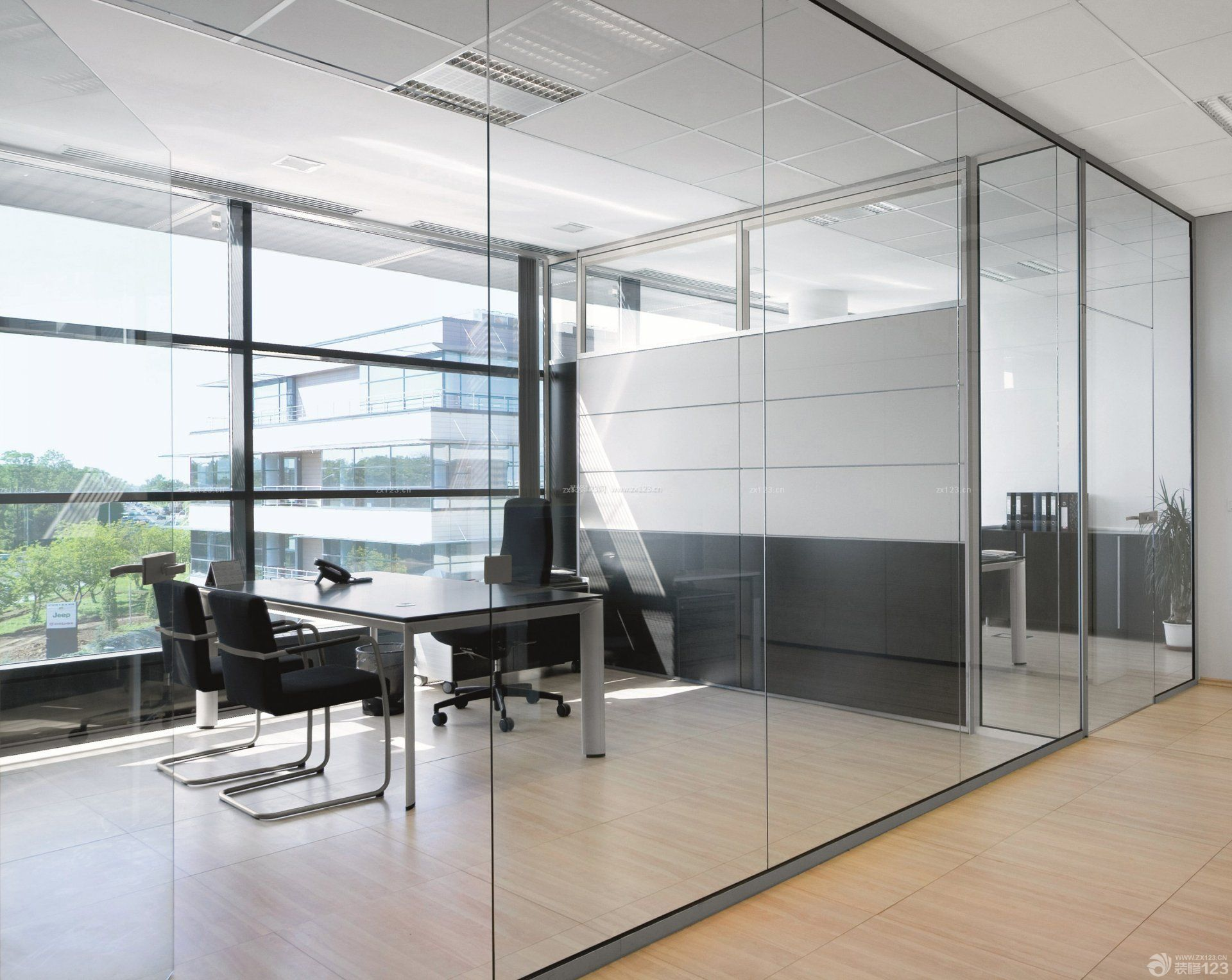 办公室玻璃隔断效果图片欣赏图片