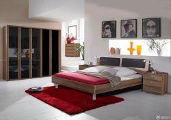 90平兩室兩廳紅色地毯設計圖片