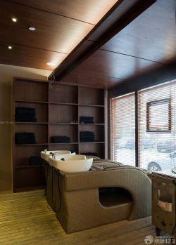 最新美发店室内木质吊顶装修效果图片