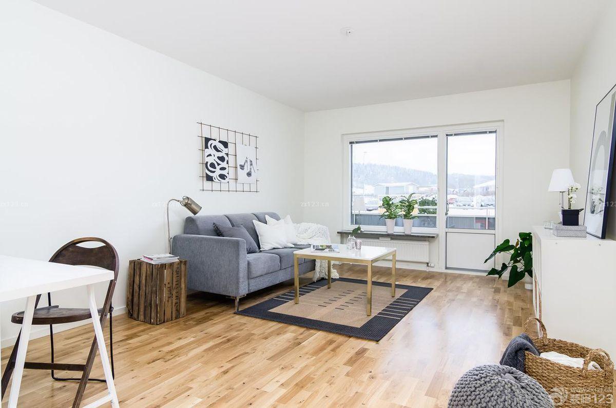 简约80平米两室一厅小户型装修实木地板贴图