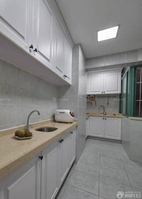 70平米两室一厅小厨房白色橱柜装饰设计装修效果图