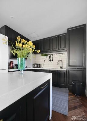 90平米兩室兩廳裝修方案 廚房櫥柜