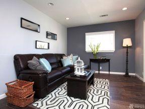 60平米小戶型客廳帶閣樓 白色踢腳線效果圖