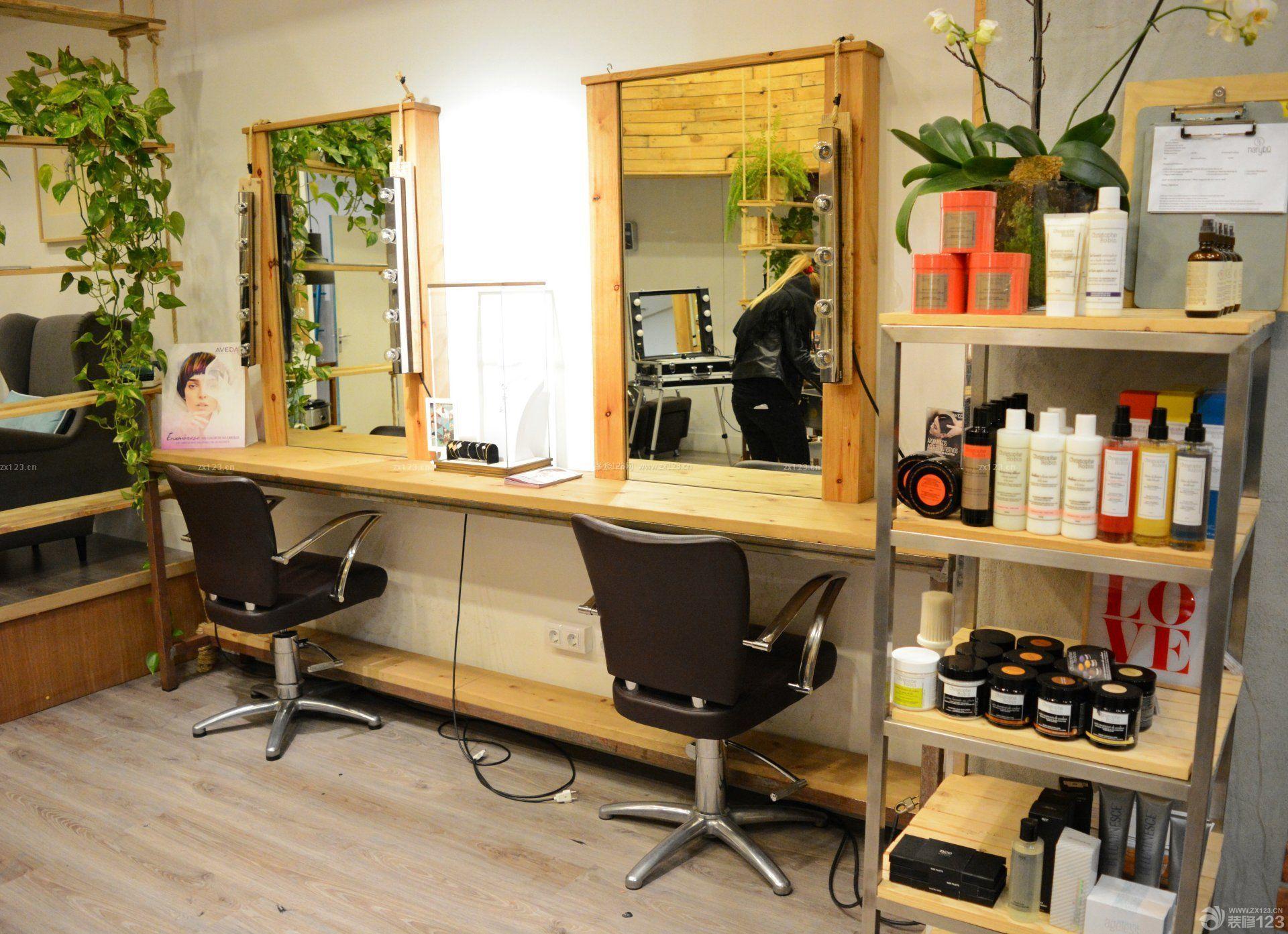 小型理发店室内装修效果图