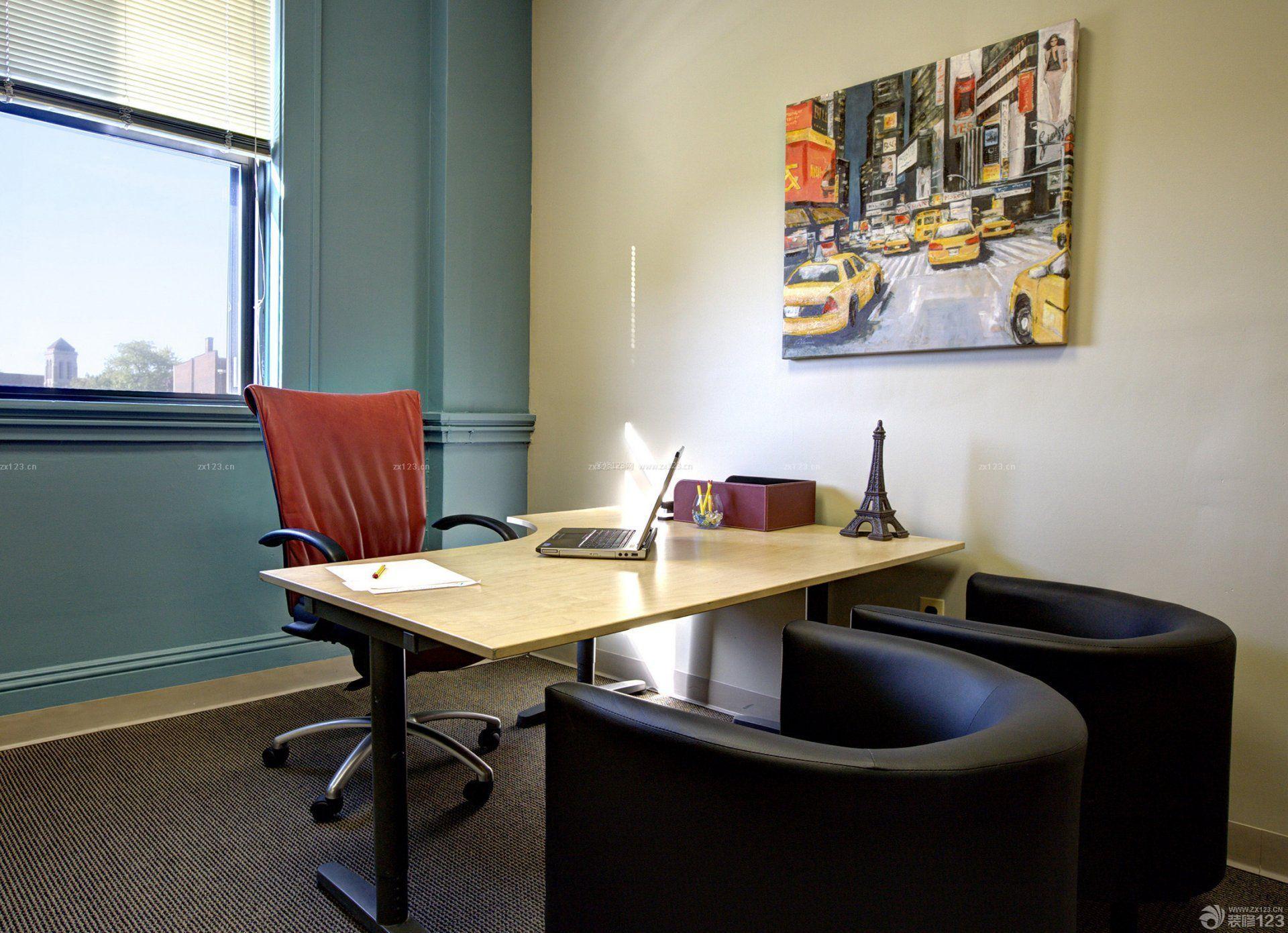 办公桌,沙发,空调,书橱,饮水机,挂钟,电话,电脑(总经理办公室的电脑