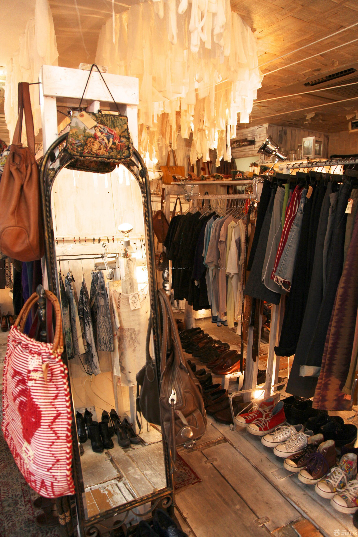 小型服装店室内穿衣镜装修图片
