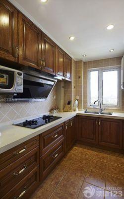 地中海风格厨房实木橱柜装修效果图