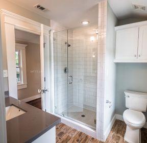 1069 现代简约浴室装饰效果图 1323 现代简约风小浴室装修图 1101