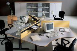 小型辦公室辦公桌隔斷裝修設計圖片