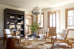 現代簡約客廳黃色門框裝修效果圖片
