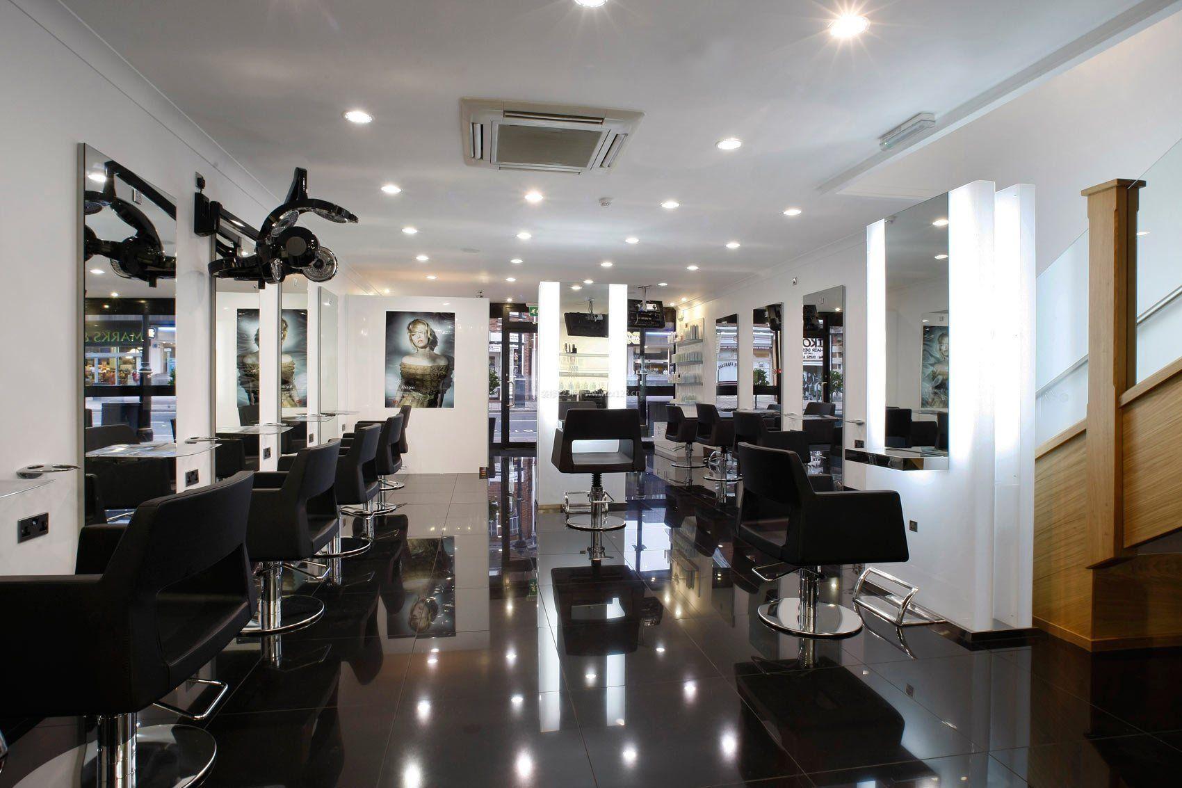 现代小型理发店室内吸顶灯装修效果图片